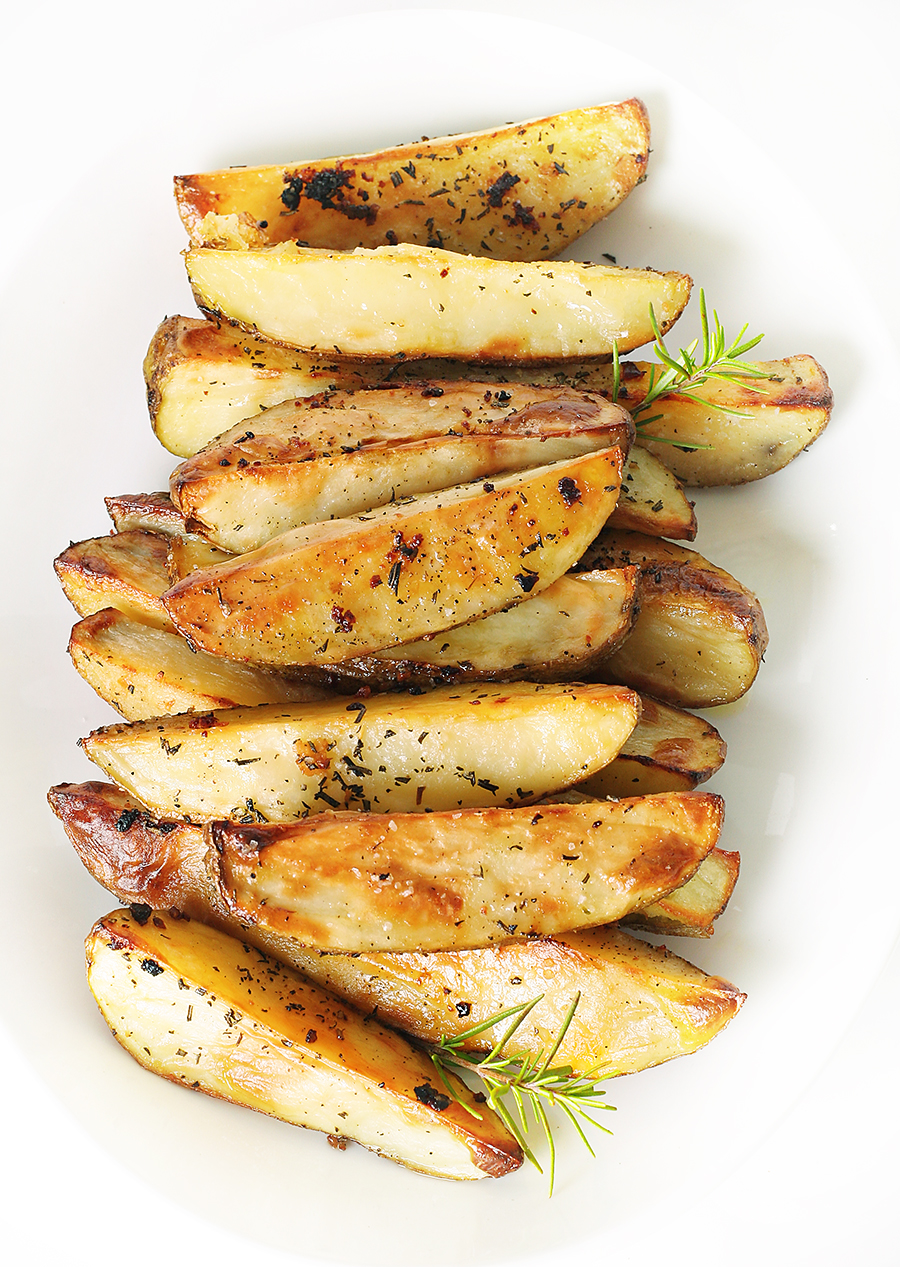 Rosemary Garlic Roasted Potato Wedges » TaylorMade Market
