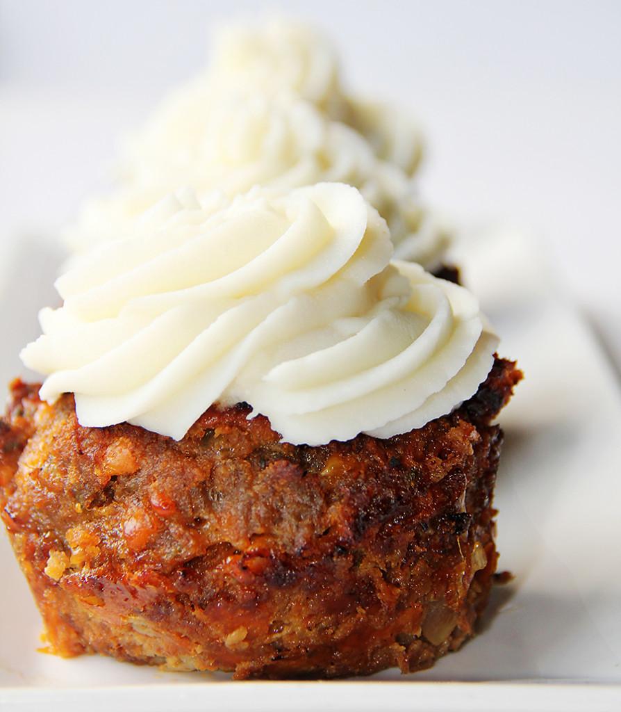BBQ cupcake row