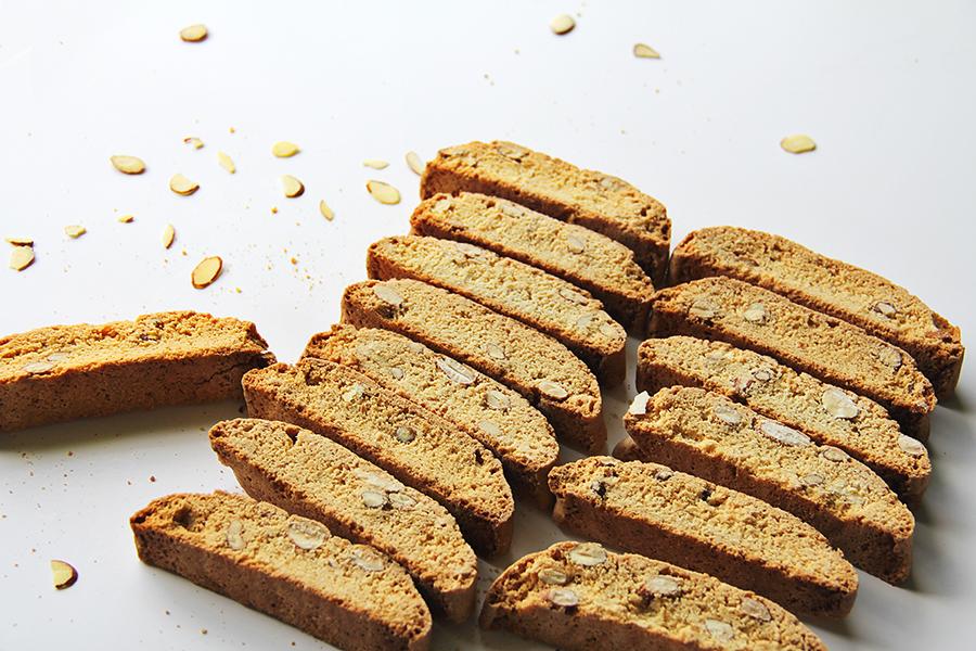 Vanilla Almond Biscotti Cookies