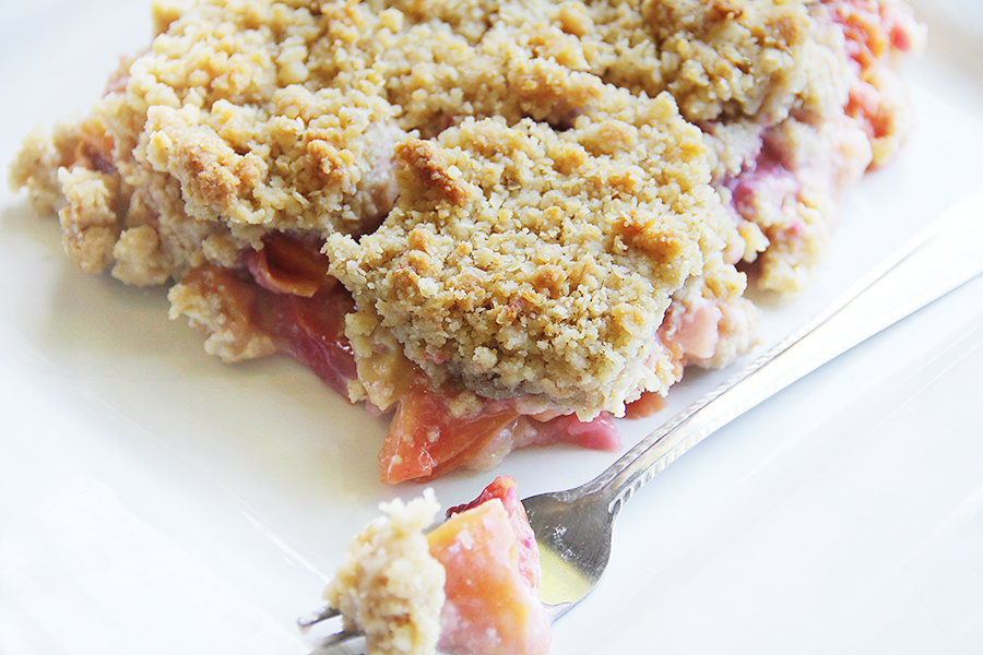 plum and peach crisp