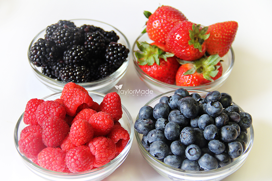 bowl of berries pic
